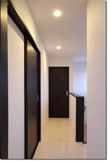 2階廊下.jpg